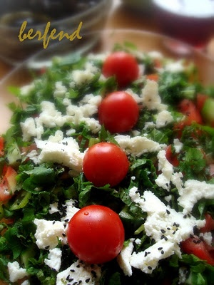 Berfend Ber: Seasonal Salad for Autumn with Goats Cheese / Keçi Peyniri ile Sonbahar Mevsim Salata