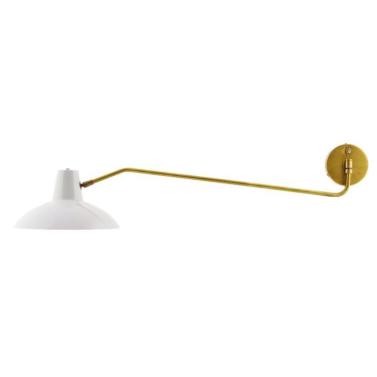 Desk bordslampa från House Doctor. Denna klassiska lampa är tillverkad i järn och mässing. Lampan ha...