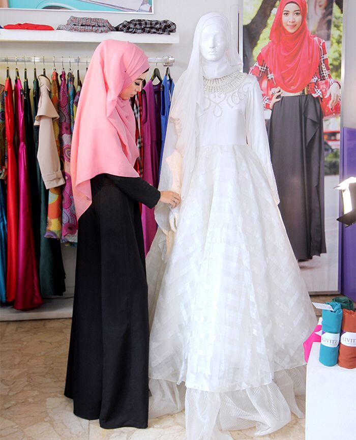 Fitri Aulia Bridal. Taping for The Indonesia Channel at KIVITZ Bintaro.