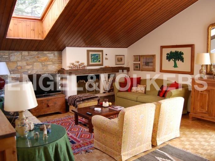 Bellissimo appartamento mansardato a Bormio Exposé Engel & Völkers | W-021FEN - ( Italia, Lombardia, Monza Brianza )