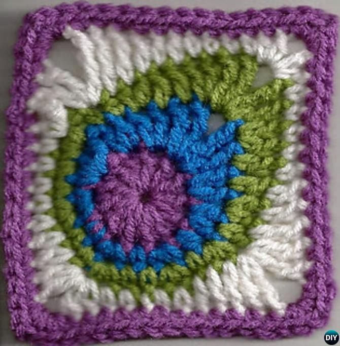 #Crochet #Peacock Feather Granny Square-10 Crochet Peacock Projects Free Patterns