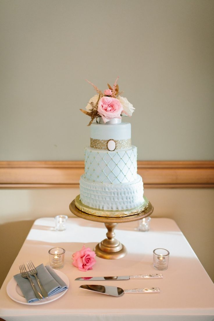 Light Blue, Turquoise and Gold 3-Tier Round Wedding Cake