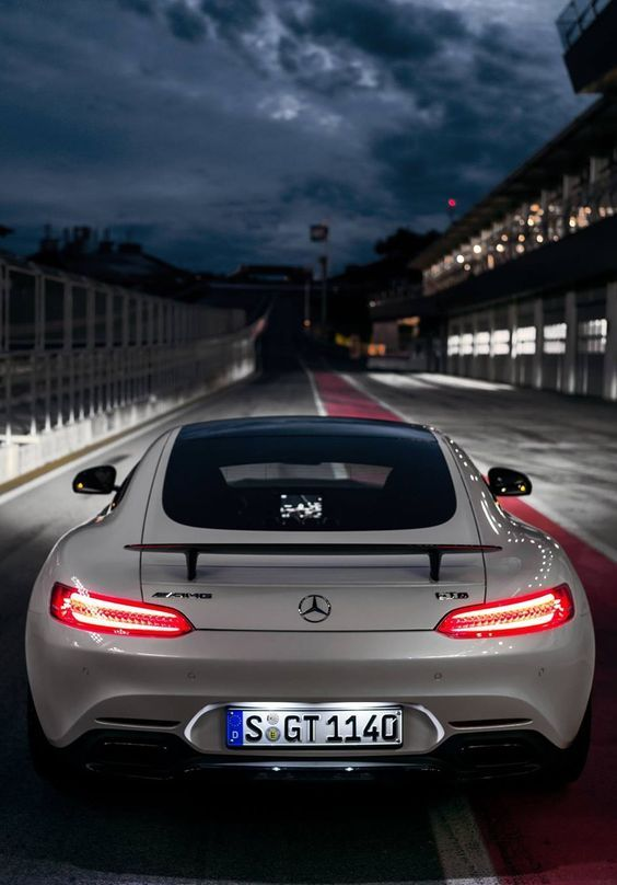 Mercedes AMG GT S