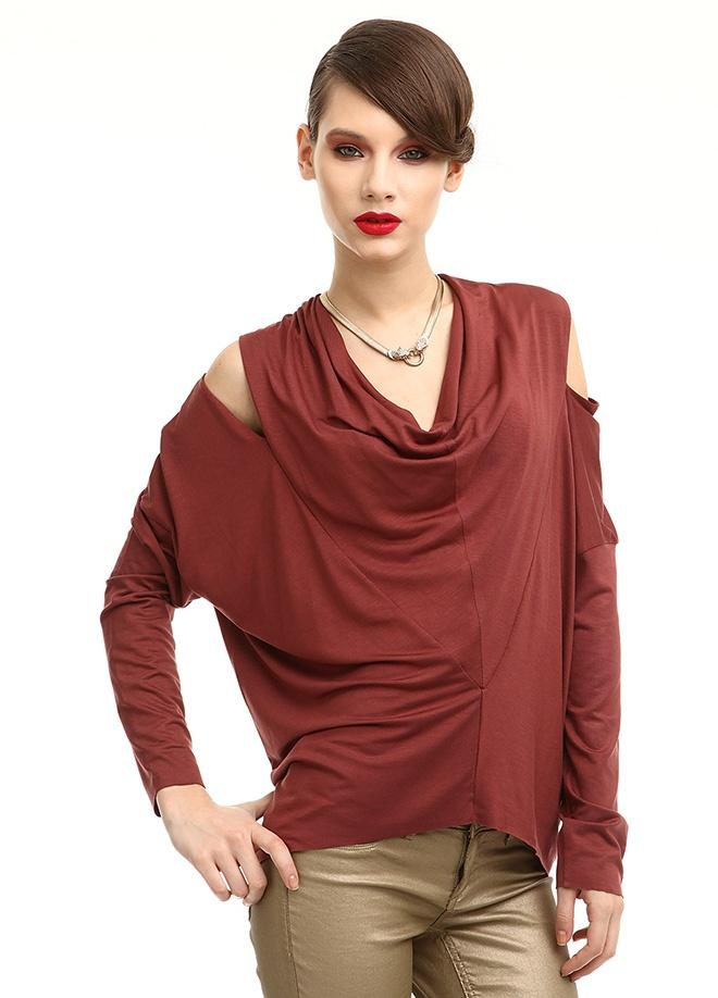 YASEMİN ÖZERİ Bluz Markafoni'de 155,00 TL yerine 73,99 TL! Satın almak için: http://www.markafoni.com/product/3636690/