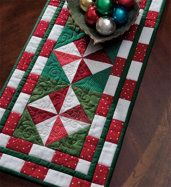 In need of some handmade-holiday inspiration? Start your gift-giving idea search now by browsing our top 5 free patterns. They're not only quick to make—they're free to download!