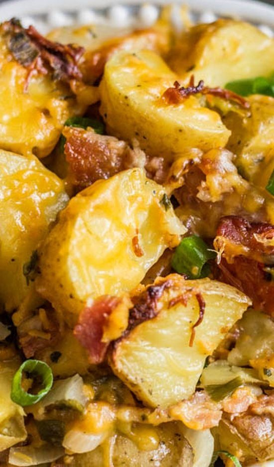 Slow Cooker Cheesy Bacon Ranch Potatoes. A delicious side for any meal! Easy…