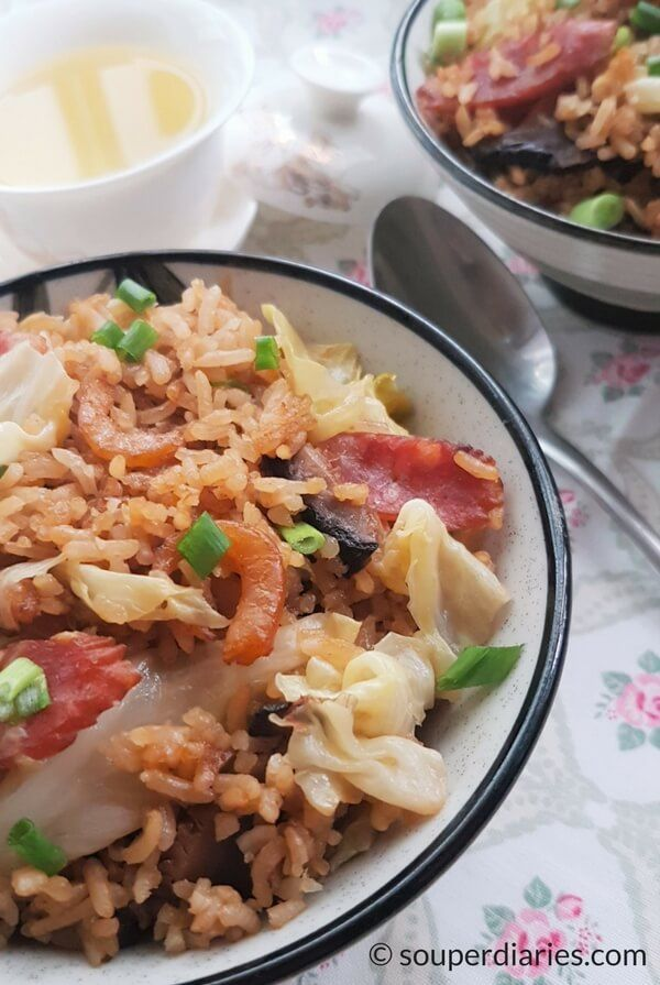 One-Pot Chinese Sausage with Cabbage Rice - Easy, tasty and convenient!