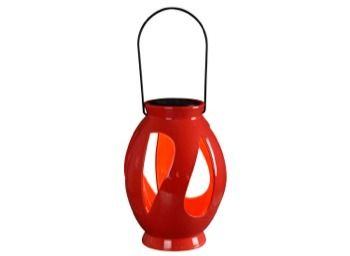 This beautiful leaves outdoor solar lantern will charge itself when the sun is up, then light itself when the sun goes down! Hang it in limbs or use to decorate steps, tables or anywhere you want stylish, decorative light.