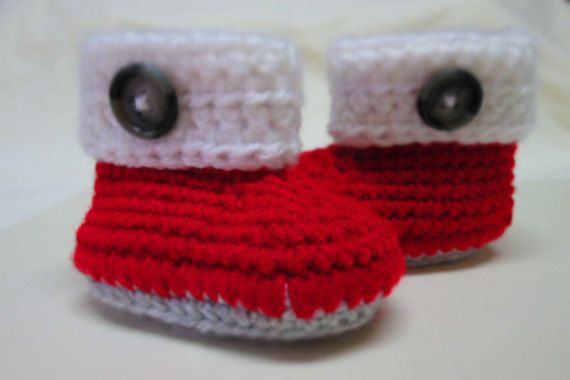 0-3 month,3-6 month,6-9 month,Christmas Baby Booties,handmade,crochet booties with button,christmas gift,baby gift