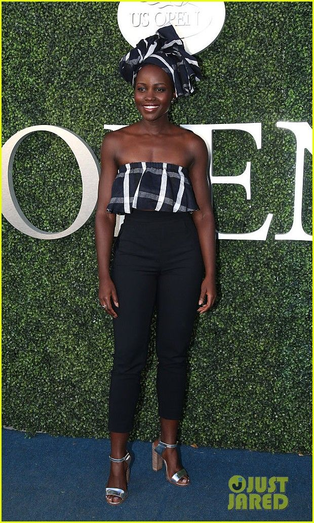 Lupita Nyong'o Cheers On Serena Williams At US Open 2016!: Photo #3746077. Lupita Nyong'o rocks a stylish headwrap as she strikes a pose at day two of the 2016 US Open held at USTA Billie Jean King National Tennis Center on Tuesday (August…