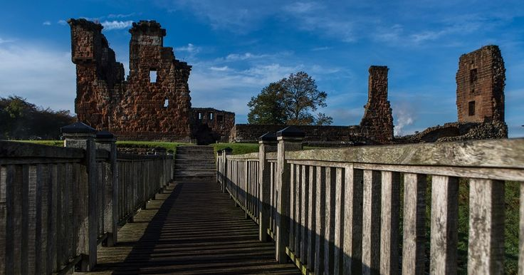 Heritage Lottery Fund Bid submitted for Penrith's Castle Park http://www.cumbriacrack.com/wp-content/uploads/2017/04/Penriths-Castle-Park.jpg A bid for £1.93million of funding has been made to the Heritage Lottery Fund (HLF) to restore and improve amenities at Penrith's Castle Park.    http://www.cumbriacrack.com/2017/04/07/heritage-lottery-fund-bid-submitted-penriths-castle-park/