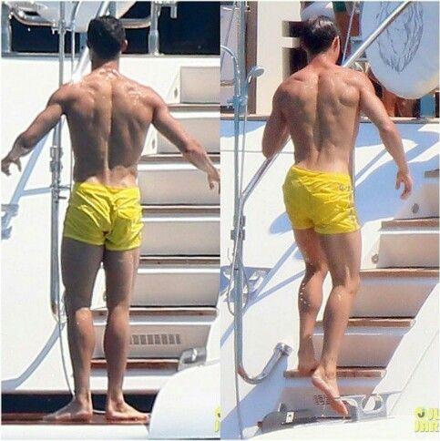 cristiano ronaldo back muscles vacation 2015 cristiano