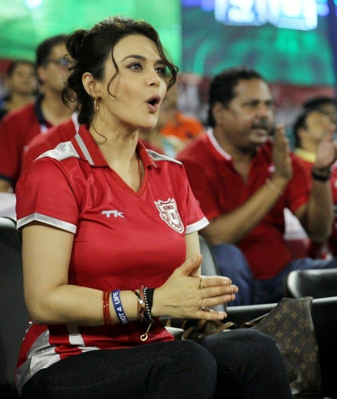17 Best Images About Zinta Bollywood Queen On Pinterest -6158