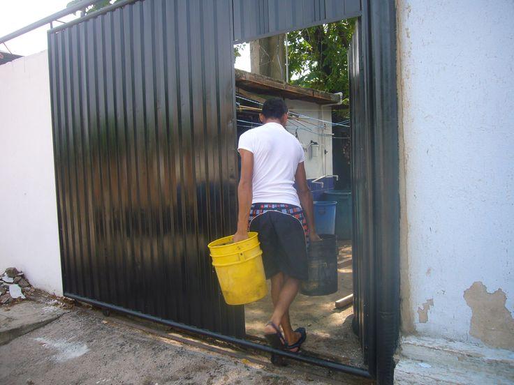 La unidad de medida del agua en Maicao, la Guajira Colombia no son litro o M3, es la lata y vale $300
