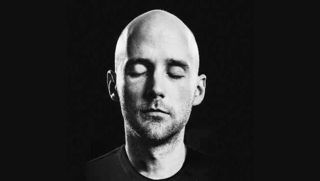 Moby a sorti 4 heures de musique :Moby , est un DJ américain, chanteur, auteur-compositeur, musicien, photographe et défenseur des droits des animaux.