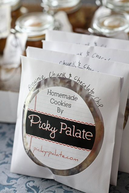 Perfect for bake sales, and gifts for friends.  The cookies are placed in CD white paper liners.  Such a fun way to wrap up cookies!