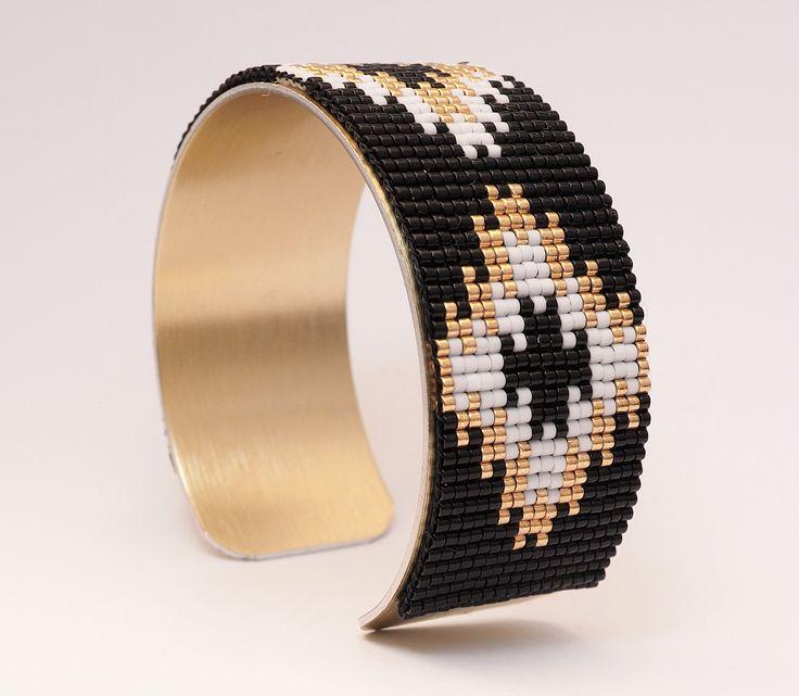 Manchette en perles miyuki tissées coloris noir, blanc et doré : Bracelet par sweet-koala