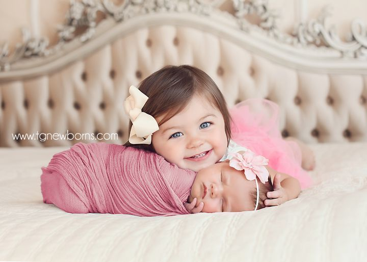 baby and big sis.. omg I can see this, but only with you! Charlotte and Peyton totally.. dark haired cuties.
