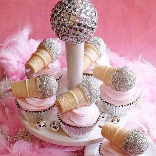 Cupcakes de microfonos para una fiesta disco party | Fiestas y Cumples