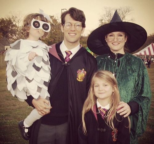 A CARNEVALE COSTUMI POTTERIANI PER TUTTA LA FAMIGLIA...! - Family. You're doing it right. :)