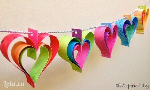 Heart Garland •2-sided cardstock, scissors, ruler, hole punch, stapler, baker's twine •Tutorial in Vietnamese, but easy to follow pictures