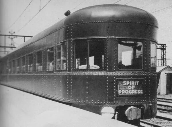 The Spirit of Progress...the new modern train with air conditioning....started services between Melbourne to Albury in 1937.A♥W