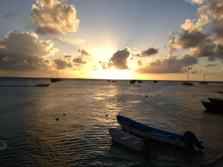 Sunset in the archipelago Los Roques, Venezuela! @Caz and Craig @yTravelBlog #unfiltered