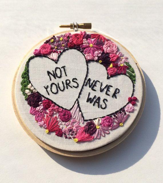 Cousu à la main « Pas le vôtre n