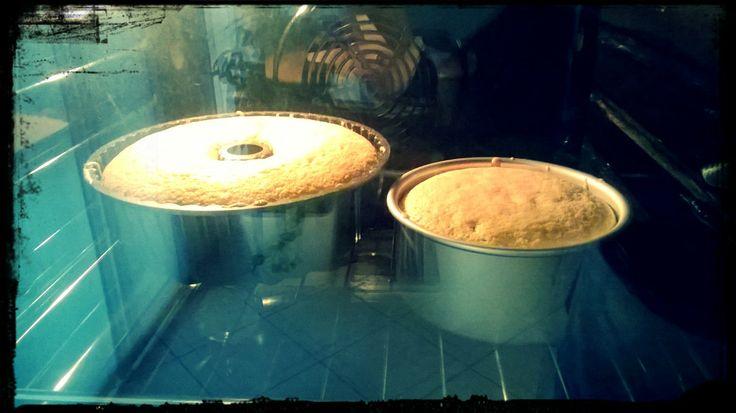 Ben due chiffon cake in forno