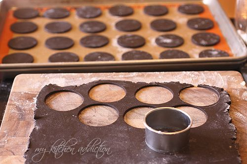 How to make oreos!!!!!!  Homemade Oreos | my kitchen addiction