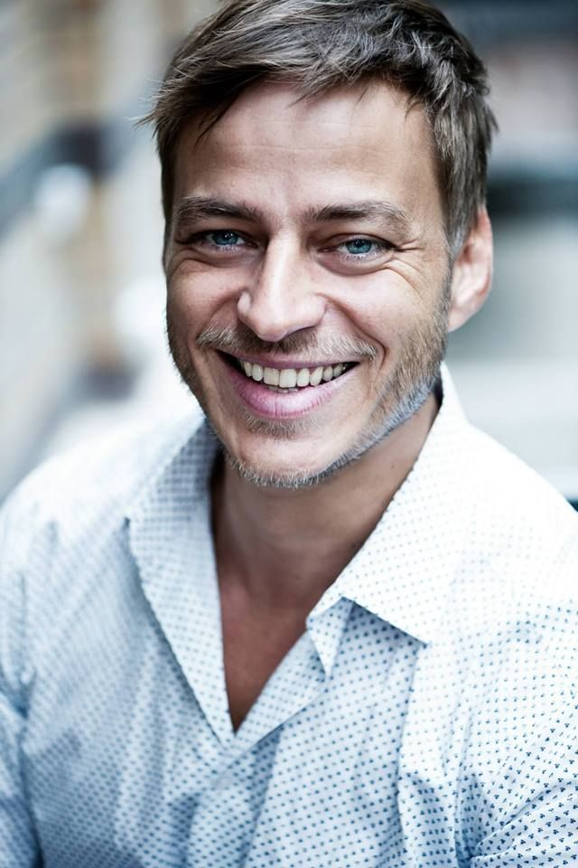 Just a beautiful photo of Tom Wlaschiha…smiling, there´s not so much pictures like this of him :)From: https://www.facebook.com/tomwlaschihafanpage/