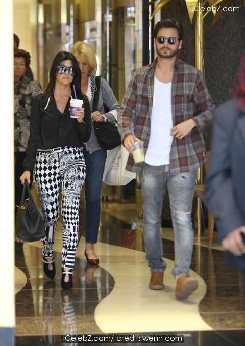 Kourtney Kardashian with Scott Disick out for coffee at The Coffee Bean & Tea Leaf http://www.icelebz.com/events/kourtney_kardashian_with_scott_disick_out_for_coffee_at_the_coffee_bean_tea_leaf/photo4.html