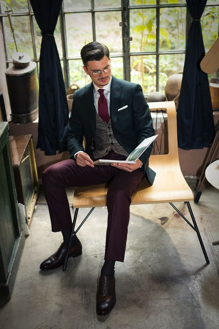 Discover the ALONSO GREEN suit