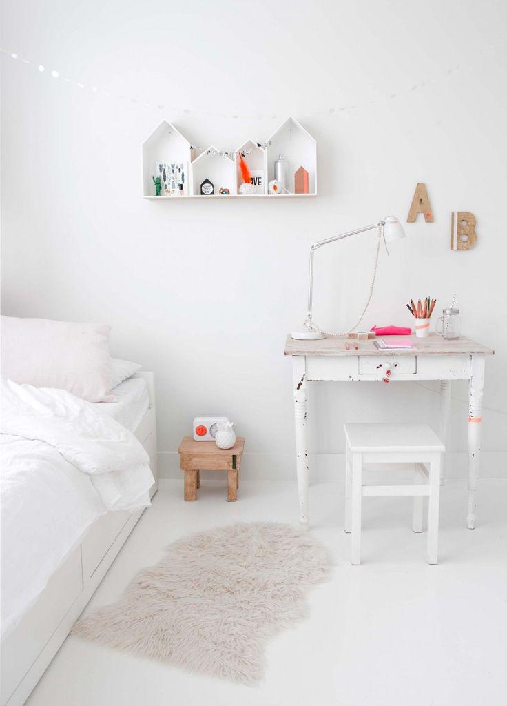 witte meisjeskamer | white girls room | vtwonen 10-2016 | photography: Jeltje Fotografie | styling: Wobke van der Wardt