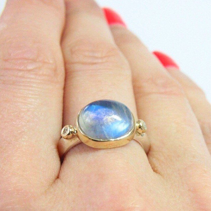 Hole galaxy hidden in this moonstone 💙 ready to ship 🎄
