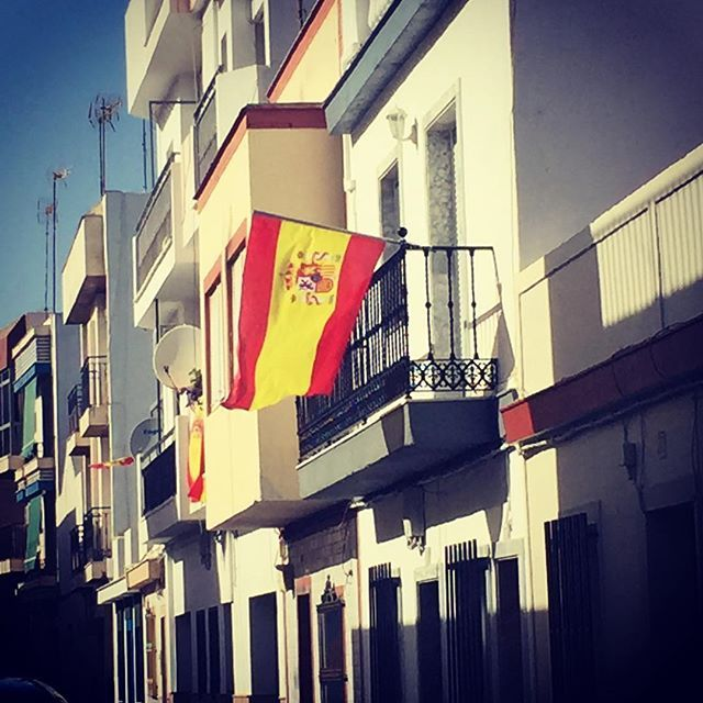 Reposting @theteflnomad: Spanish flags are flying high all over the Huelva province . . .  #spanishflag #flag #bluesky #sun #andalucia #huelva #spain #españa #nomad #travel #travelling #traveller #travelphoto #travelblog #travelblogger #wanderlust #globetrotter #travelgram #travelpic #explorer #travelphotography #instatravel #tourist #traveleurope #europe #travellingteachers #tefl #teflteacher #f4f #follow4follow