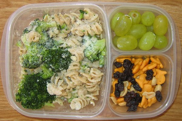 Over a hundred yummy packed lunches I would eat! Great for teacher lunches :)