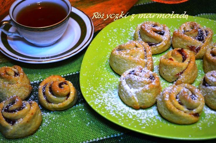 Smak, zapach, kolor, tradycja z nutką nowoczesności...: Ciasteczka różyczki z marmoladą -kruche różyczki