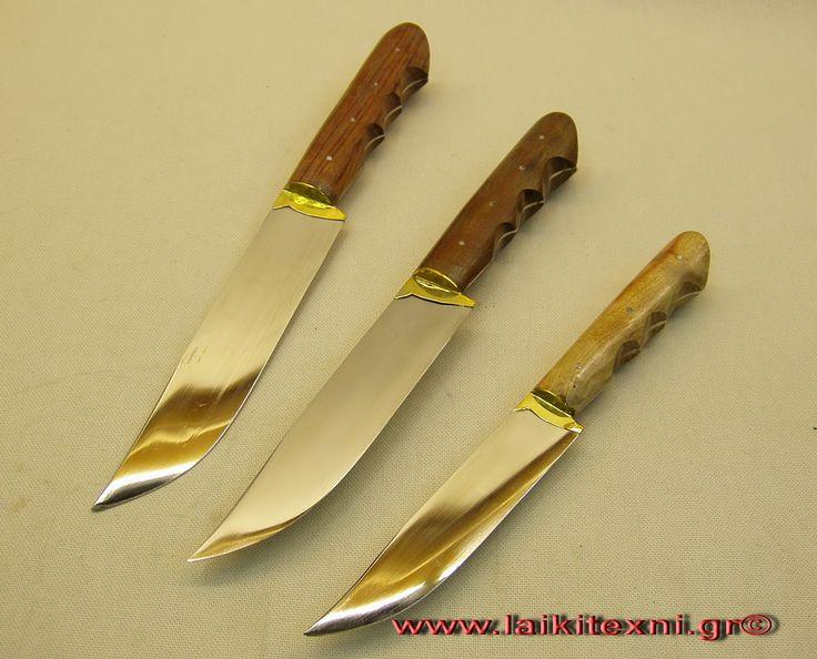 Χειροποίητα Κρητικά μαχαίρια με λαβές από (κόκκαλο - ξύλο - κέρατο)και με θήκες από δέρμα δουλεμένες και ραμένες στο χέρι.Θα τα βρείτε στο ηλεκτρονικό μας κατάστημα http://laikitexni.gr/16-kritika-maxairia