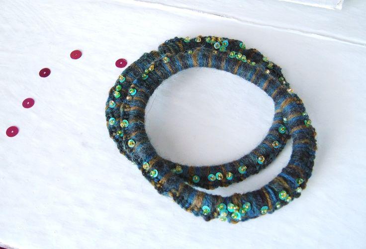 braccialetti in lana blu melange e paillettes cod2 14 / bracelets : Braccialetti di elenalucc