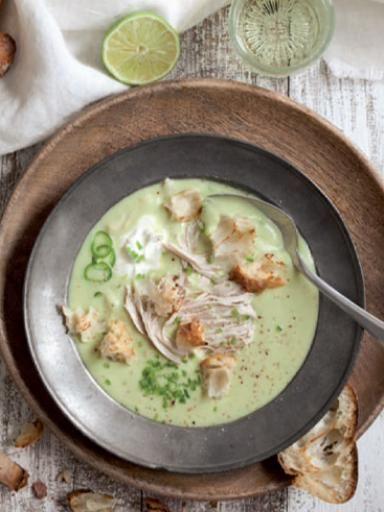 Guacamole-Suppe mit Croûtons