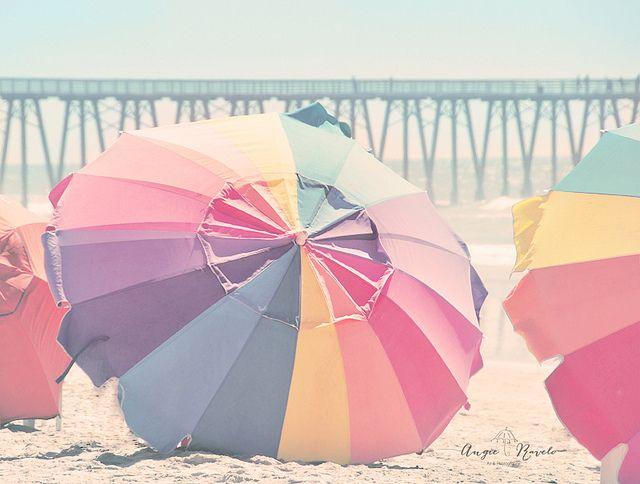 Bienvenida Primavera!!! | Umbrellas | Pastel, Beach color ...