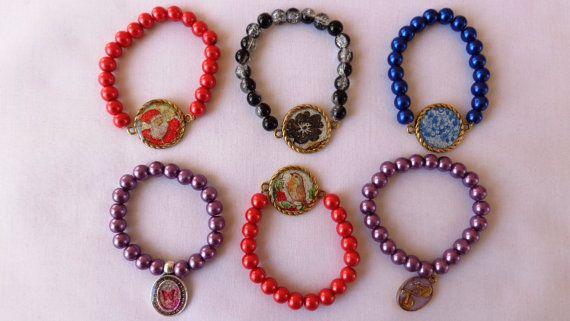 Christmas  stretch bracelets bracelets for by ArtisticBreaths