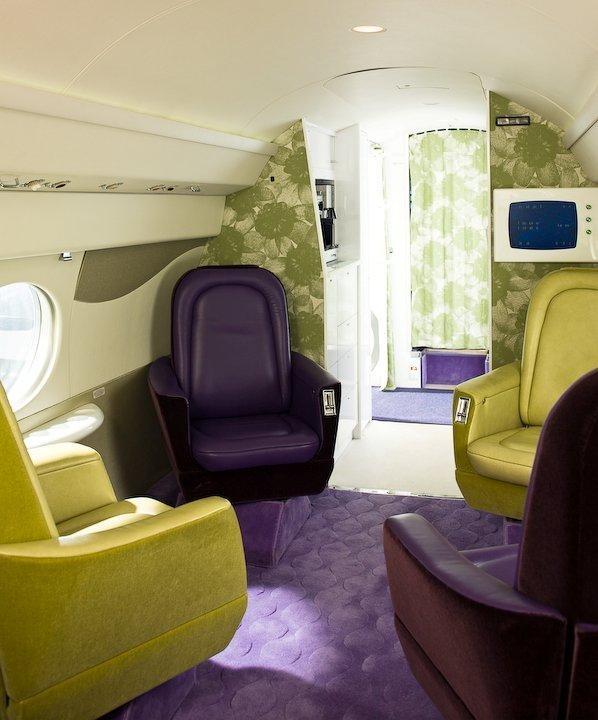 Tai Ping - Jet privé Gulf Stream G - Hong Kong - Paris - New York - Tapis - 1956 - Décoration - Intérieur - Ambiance - Fauteuil - Vert - Violet - APR