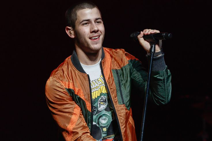 """Hey CrossFit, Nick Jonas Doesn't Think Your Diabetes """"Jokes"""" Are Funny (Mostly Because They Aren't…)"""