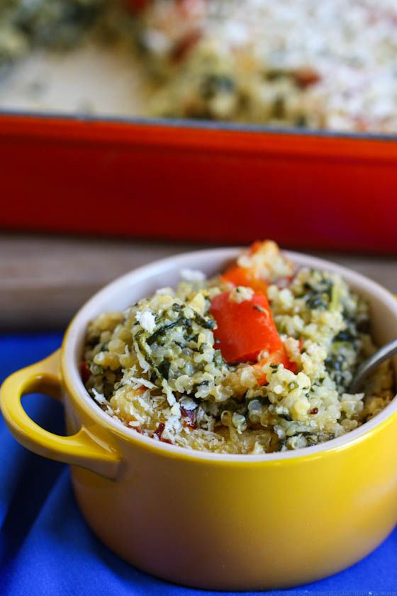 Spinach and Cheese Quinoa Casserole: Casseroles Recipes, Cheese Quinoa, Health Food, Red Peppers, Healthy Breakfast, Vegetarian Quinoa Casseroles, Spinach Chee, Chee Quinoa, Cheesy Quinoa