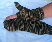Bow Hunting Mittens - Camouflage: Hunting Mittens, Knitting Patterns, Hunting Amazingness, Favorite Color, Camo Crazy, Tj Bow Hunting, Naptime Knittery, Thelma Thorn