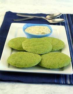 Eliminating rice reduces the calorie count of these spinach idlis, making them suitable for diabetics as well. The same moong dal batter can also be used to make healthy pankis and pancakes.