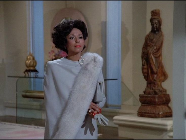 Joan Collins as Alexis was the ideal 'white bitch', and Diahann Carroll as Dominique Dominique Deveraux was her match!
