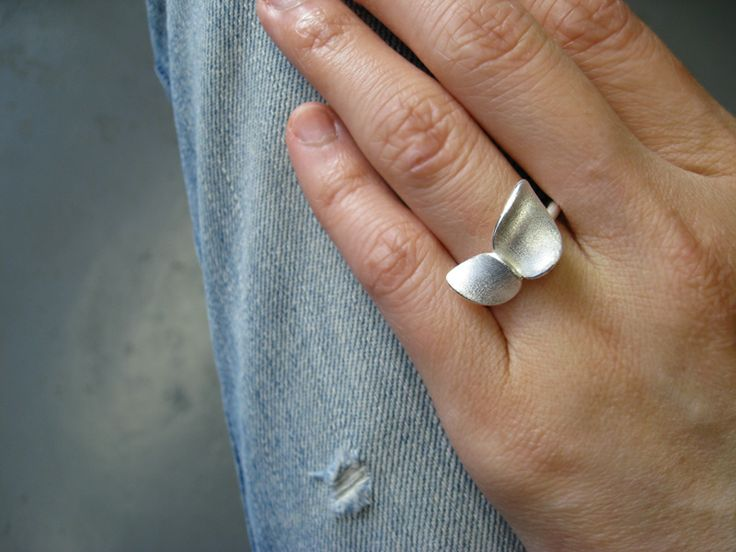 Nuppu ring. by Chao & Eero.
